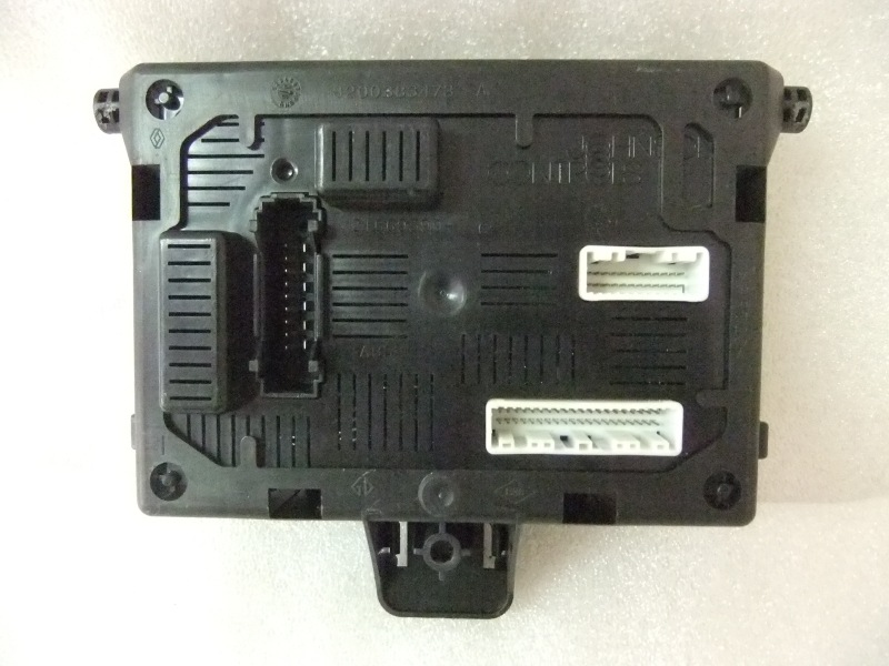 Fuse Boxes Renault Clio Iii 8200652285 28118125 3a Re20047